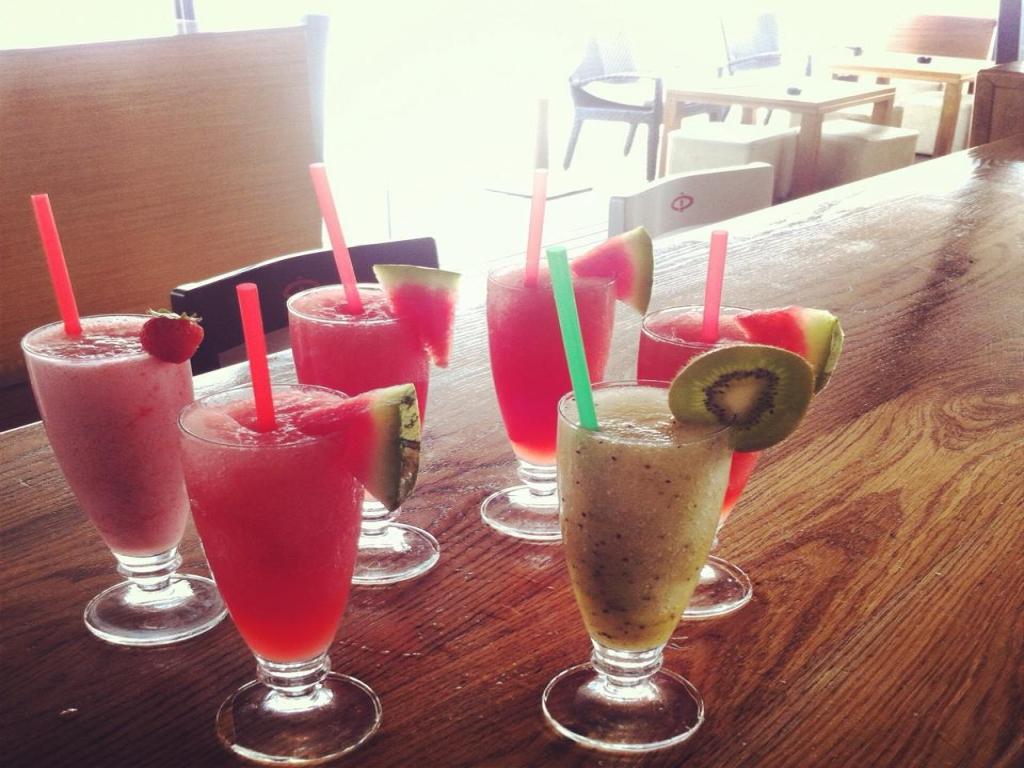 Còctels, gintònics i bon ambient al Cafè del Port a Sant Carles de la Ràpita