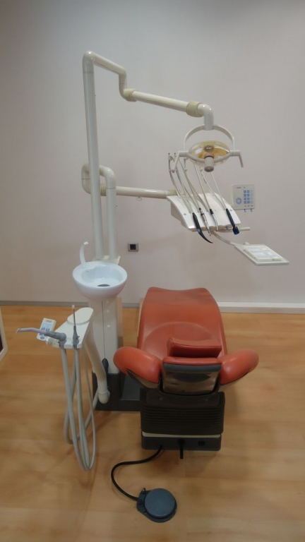 Clinica Dental Dr. Roberto H. Manette en Deltamèdic La Ràpita